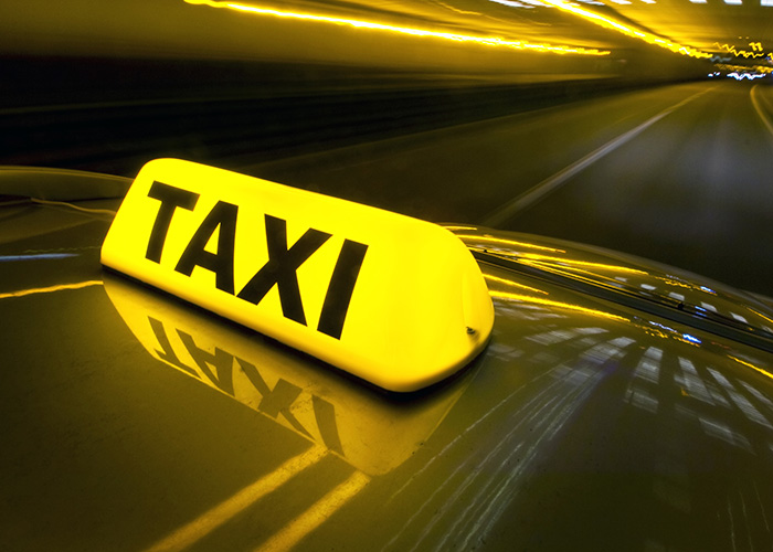 illuminated_taxi_roof_sign